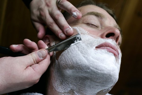 6-straight-razor-shave